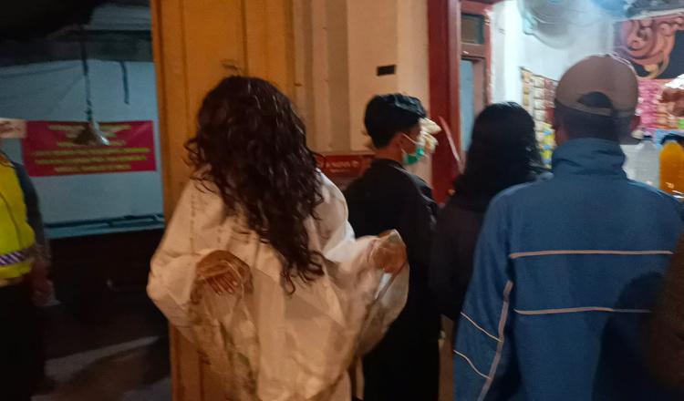 Hantu Kuntilanak Bubarkan Kerumunan di Ponorogo