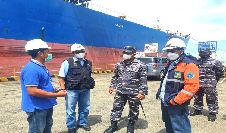 Cek Pelaksanaan PPKM, Danlanal Sangatta Kunjungi Dermaga Marine PT KPC