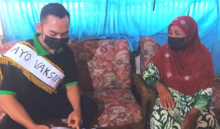 Patut Ditiru, Pemuda di Rengel Tuban Sosialisasikan Vaksinasi Secara Door To Door