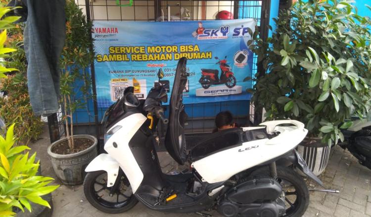 Asik, Servis di Yamaha Jatim Bisa Sambil Rebahan