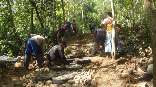 Buka Akses Kawasan Wisata Gunung Buthak, Pemdes Tlogokotes Purworejo Gelar Program Padat Karya Tunai