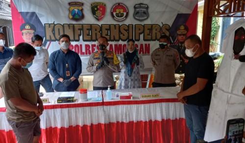 Polisi Ringkus Pencuri Pocong Edukasi Bahaya Covid-19 di Lamongan