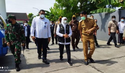 Pastikan Ketersediaan Oksigen dan Pendistribusian Lancar, Gubernur Jatim Turun Lapangan