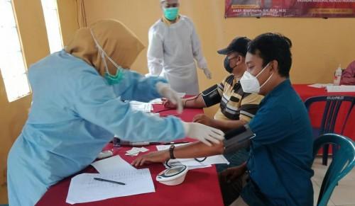 Polres dan PWI Purworejo Gelar Baksos Vaksinasi Masal di Borokulon