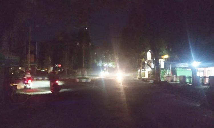 Pemadaman Lampu PJU Selama PPKM Darurat di Bondowoso Menuai Protes