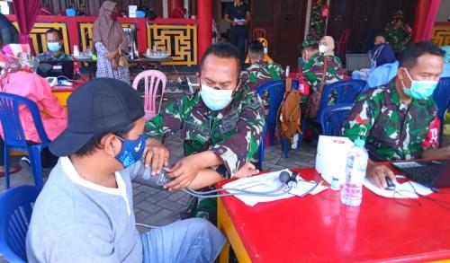 Dukung Percepatan Vaksinasi, Klenteng Kwan Sing Bio Gelar Serbuan Vaksin Bersama TNI