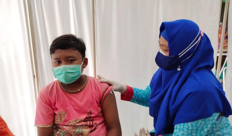 Puluhan Anak Remaja di Situbondo Ikuti Vaksinasi Covid-19 Tahap Pertama