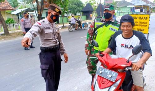 Tak Kenakan Masker Saat PPKM Darurat, Puluhan Warga di Tuban Didenda Hingga 1,3 Juta