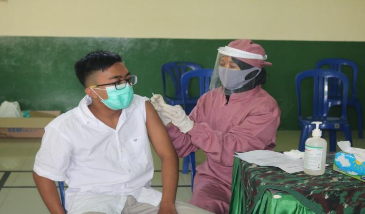 Ratusan Remaja Purworejo Antusias Ikuti Serbuan Vaksin