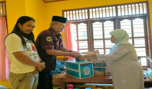 Mitra Wartawan Purworejo Serahkan Tali Asih kepada Keluarga Atas Danusubroto