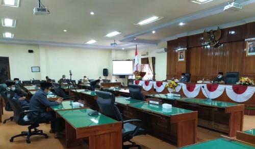 Gelar Paripurna, DPRD Trengggalek Dengarkan Penyampaian KUA PPAS Bupati TA 2022