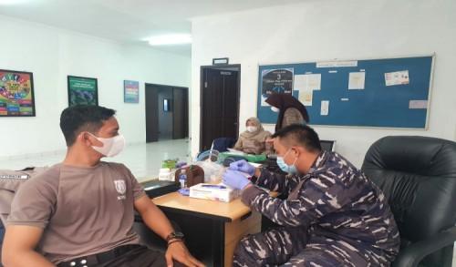 TNI AL Laksanakan Serbuan Vaksin, Lanal Sangatta Kembali Jaring Masyarakat Umum