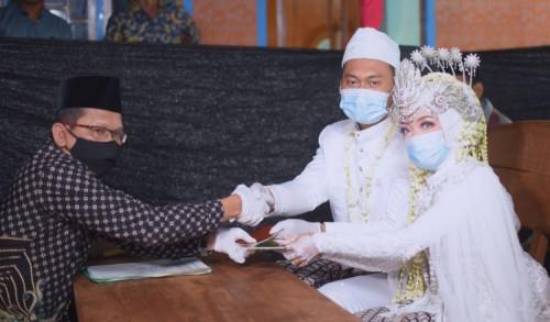 Puluhan Calon Pengantin di Tuban Tunda Pernikahan di Masa PPKM, Kenapa?