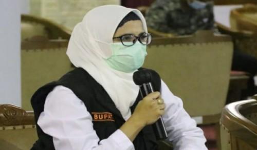Peduli Sesama, Bupati Blitar Alokasikan Gajinya Bantu PKL