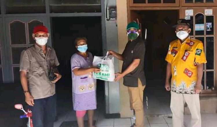 Harlah ke 23, DPC PKB Lamongan Dor to Dor Bagikan Paket Sembako ke warga Terdampak Covid-19