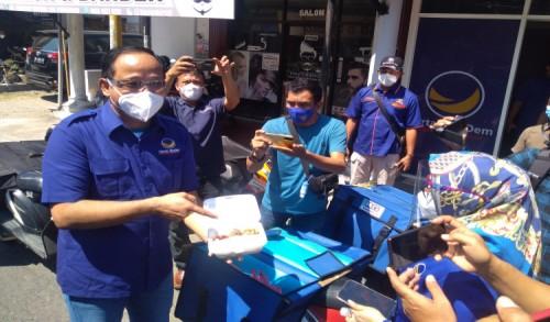 Ipong Muchlissoni: Makanan Untuk Isoman di Ponorogo, Nasdem Teman Rakyat