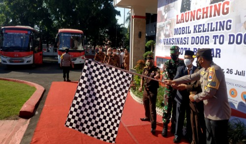 Wali Kota Blitar Santoso Launching Mobil Keliling Vaksinasi Door To Door