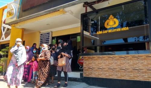 Emak-emak di Probolinggo Laporkan Owner Arisan Online Bodong