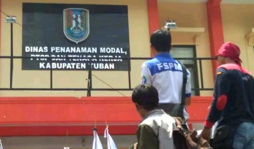 Kecewa Atas Pelayanan Disnaker Tuban, Ribuan Buruh Ancam Lakukan Aksi Turun Jalan