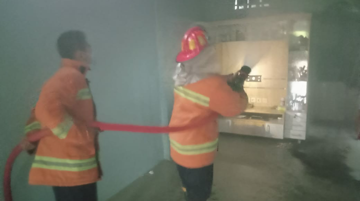 Korsleting Listrik, Bengkel Ban di Purworejo Terbakar