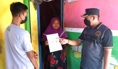 Merasa Mampu, Dua Pelajar di Tuban Alihkan BST ke Tetangganya
