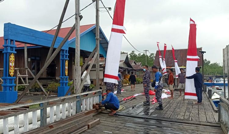 Sambut HUT ke-76 RI, Lanal Sangatta Merah Putihkan Pulau Miang