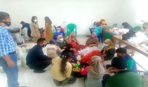 Bantu Warga Isoman, Dapur Rakyat Besutan Masyarakat Kutim Bergerak