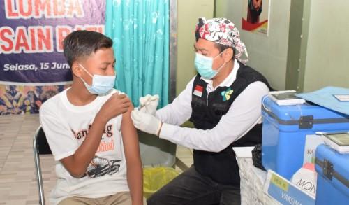 Pencapaian Jauh Dari Target, Komisi X DPR RI Dorong Vaksinasi Guru dan Pelajar Dipercepat