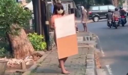 Demo Tunggal dengan Berbikini Merah, Dinar Candy: Saya Stres karena PPKM Diperpanjang