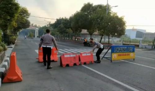 Usai Didemo PKL, Penyekatan Sejumlah Ruas Jalan di Ngawi Akhirnya Dibuka