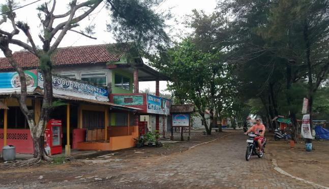 Sempat Tutup Akibat PPKM, Wisata Kuliner di Pantai Dewaruci Purworejo Beroperasi Lagi