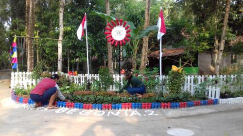 Sambut HUT RI ke-76, Warga di Purworejo Percantik Lingkungan