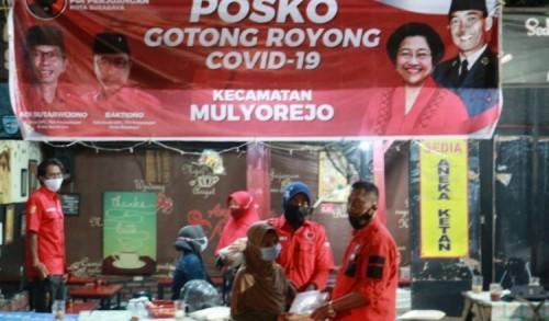 PDIP Surabaya Salurkan Bantuan ke Warga Terdampak Selama PPKM