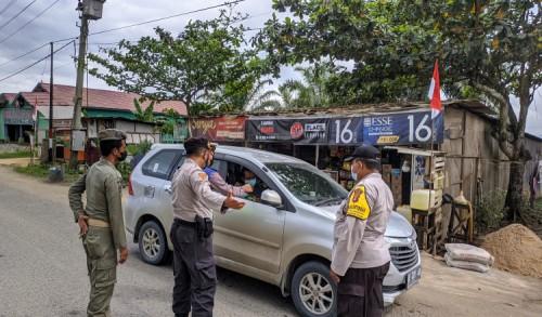 Penyekatan Poros Sangatta-Bontang, Polres Kutim Periksa Puluhan Kendaraan Bermotor