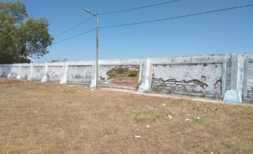 Pagar Stadion Karapan Sapi di Sampang Hampir Roboh