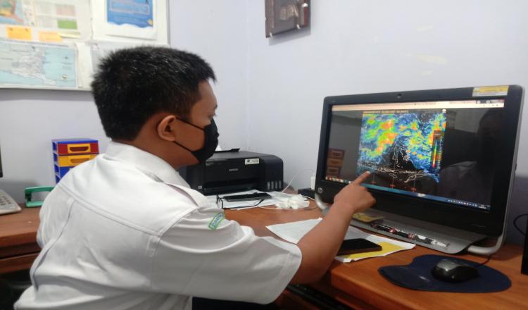 BMKG: Waspadai Tinggi Gelombang di Perairan Selatan Banyuwangi Dua Hari Kedepan