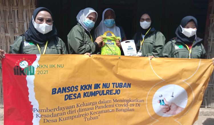 KKN IIK NU Tuban, Mahasiswa Berikan Edukasi Covid-19 dan Bagikan Paket Sembako ke Warga
