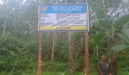 Pembangunan Jalan Poros Desa Paket 2 di Purworejo Akhirnya Dipasang Papan Nama