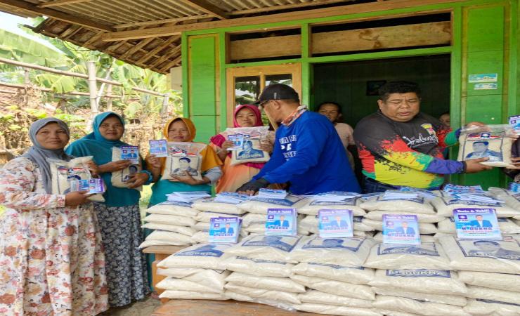 Milad PAN ke - 23, Ketua DPD PAN Jombang Blusukan Lakukan Bansos di Desa Terpencil