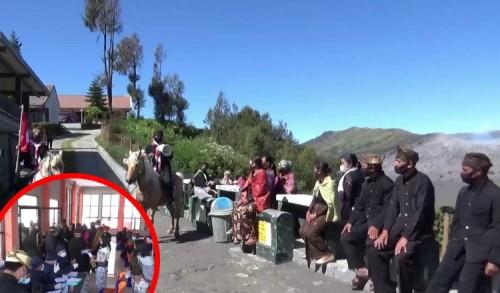 Desa Ngadisari di Wisata Gunung Bromo Tuntas Vaksin