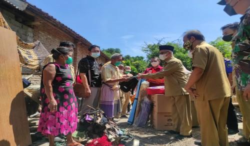 Bupati Bondowoso Kunjungi Korban Kebakaran