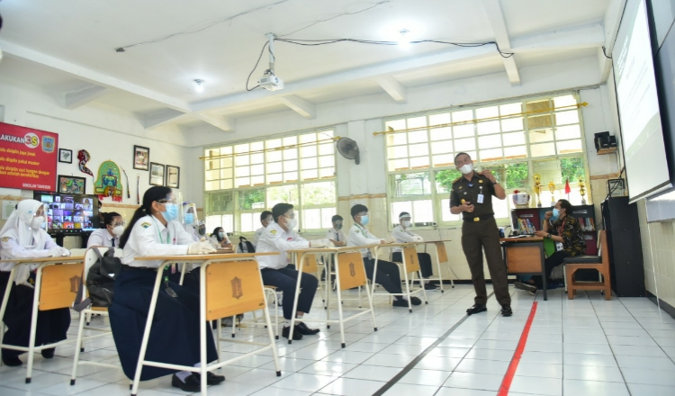 Murid SD dan SMP di Surabaya Harus Dapat Izin Orang Tua Jika Ingin Ikuti Sekolah Tatap Muka