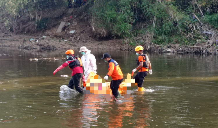 Kakek Berusia 85 Tahun Ditemukan Tewas Mengapung di Sungai Ponorogo