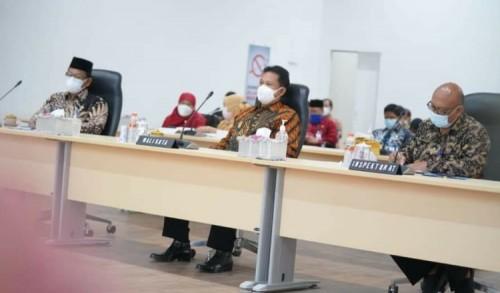 Komitmen Laksanakan Arahan, Wali Kota Madiun Ikuti Rakor Pencegahan Korupsi Bersama KPK