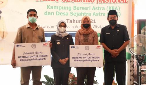 Bupati Blitar Terima Bantuan 300 Paket Sembako dari PT Astra