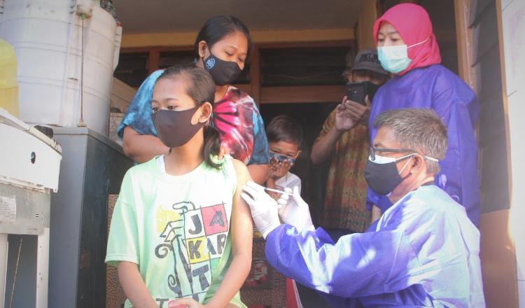 Vaksinasi Penyandang Disabilitas Rampung 77 Persen, Prosesnya dari Pintu ke Pintu