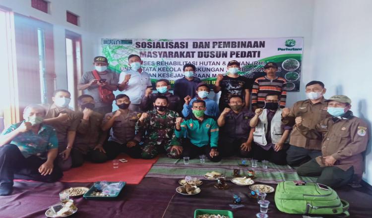 Perhutani Banyuwangi Utara Sosialisasikan Pelaksanaan RHL di Situbondo