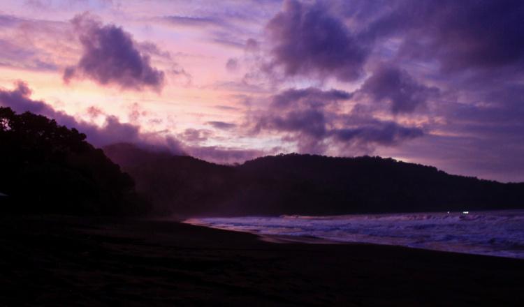 Pantai Bandealit Jember Jadi Surga Bagi Pecinta Fotografi
