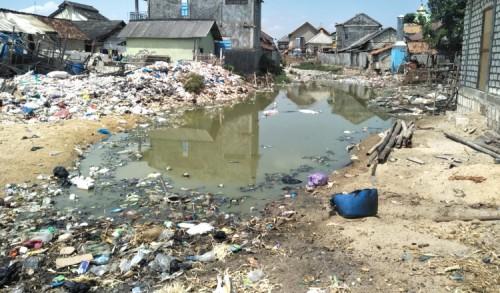 Tumpukan Sampah di Desa Pabeyan Tuban, Bupati: Inovasi Tungku Pembakar Jadi Solusi