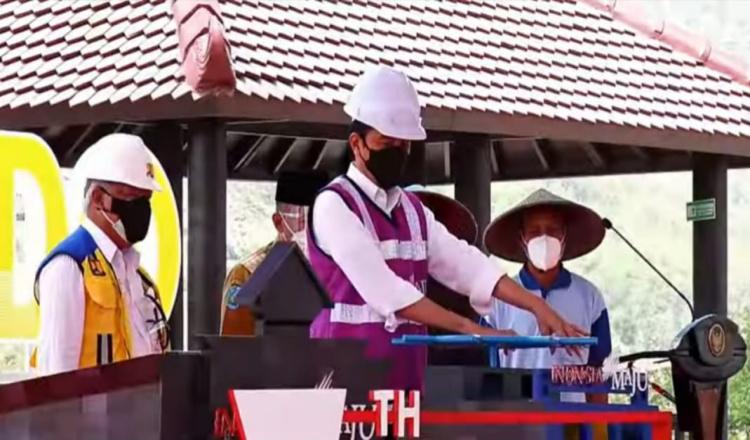 Resmikan Waduk Bendo Ponorogo, Jokowi: Pertanian Jadi Produktif